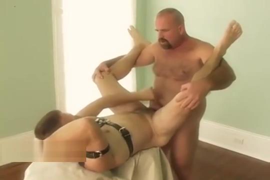 Bear fucks goatee guy raw free porn elizabeth hurley