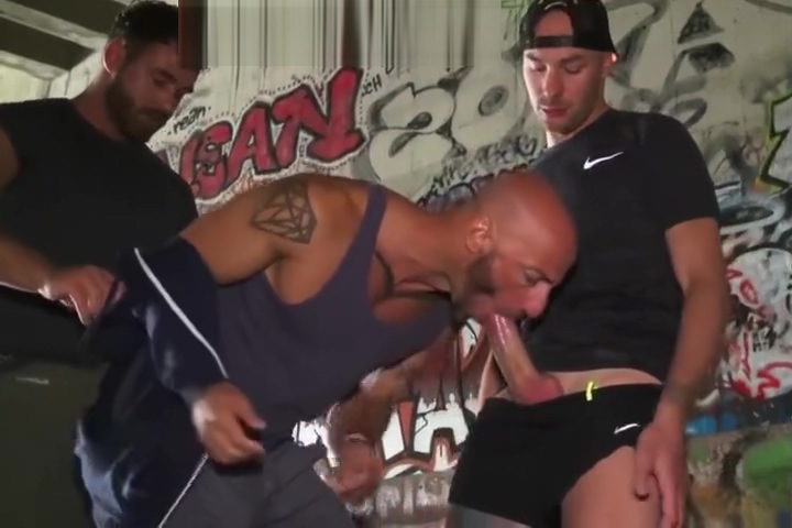 Aymeric gets Pumped Gay Hunk clip free gay sex toy