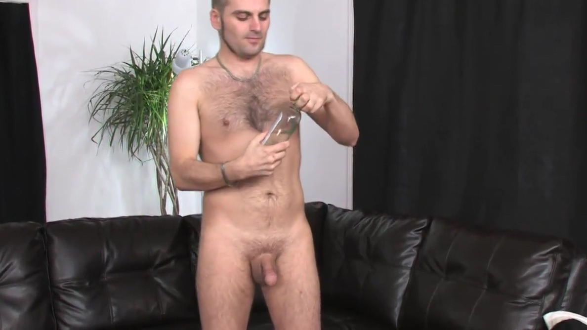Horny dude DJ pleasures himself with a good wank Young pissing pussies porn