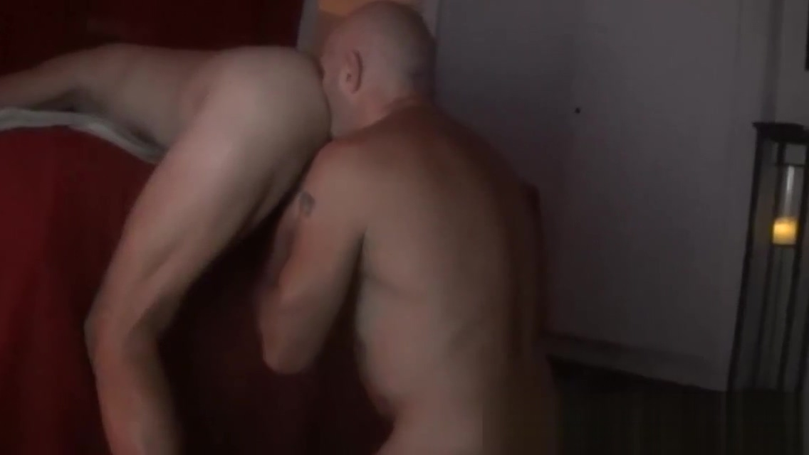 FUCKING BAREBACK MASSEUR CLIENT by Nudemassage Amateur hair pulling doggy