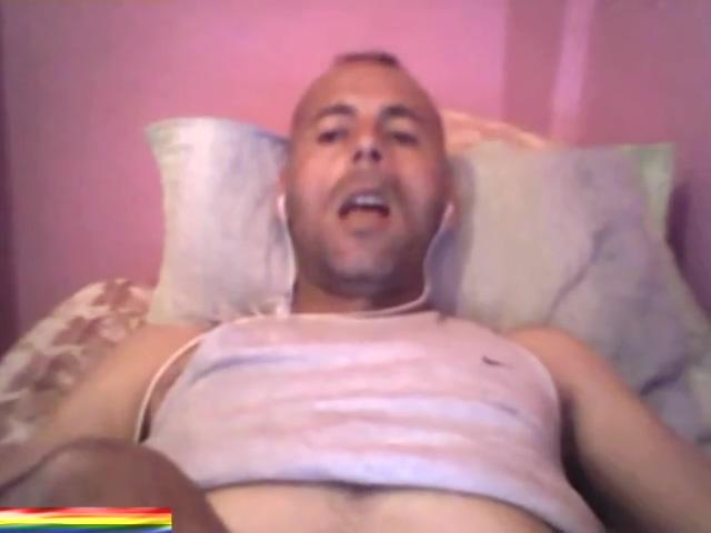 IRAQUI SEXY SE PAJEA JUEGA CON SU CULO Y SE CORRE PARA MI JUGANDO EN LA CAM Oldnanny blonde mature solo titplay and fingering