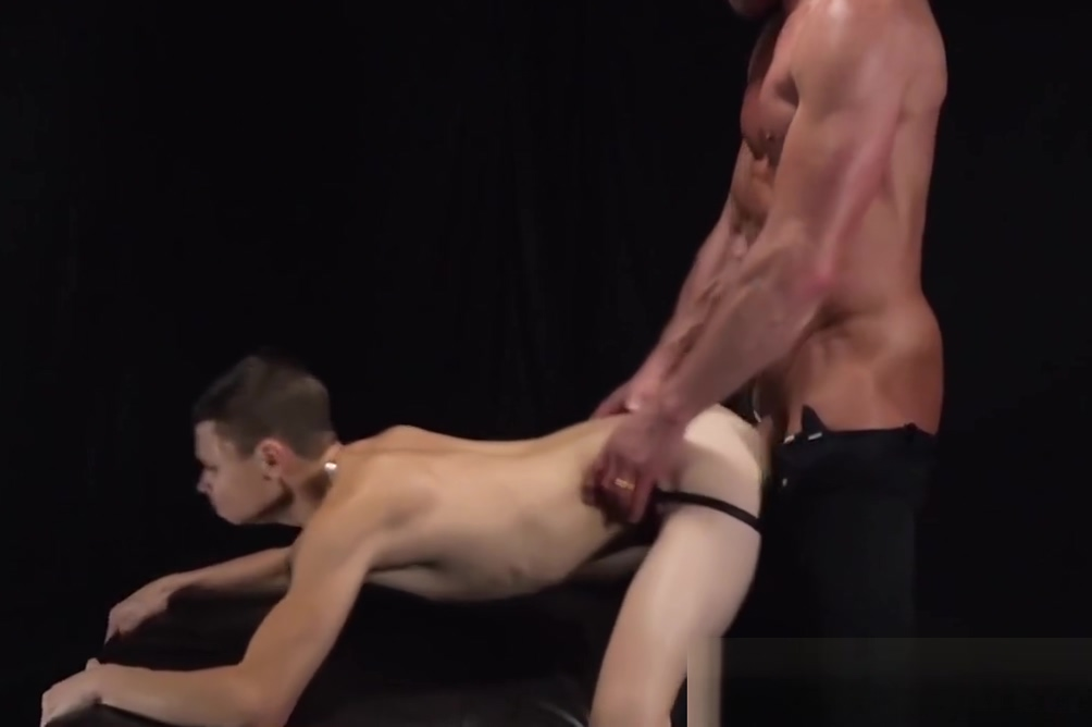 Little sub lubing precum while hammered by muscular dom adult flash games blowjob
