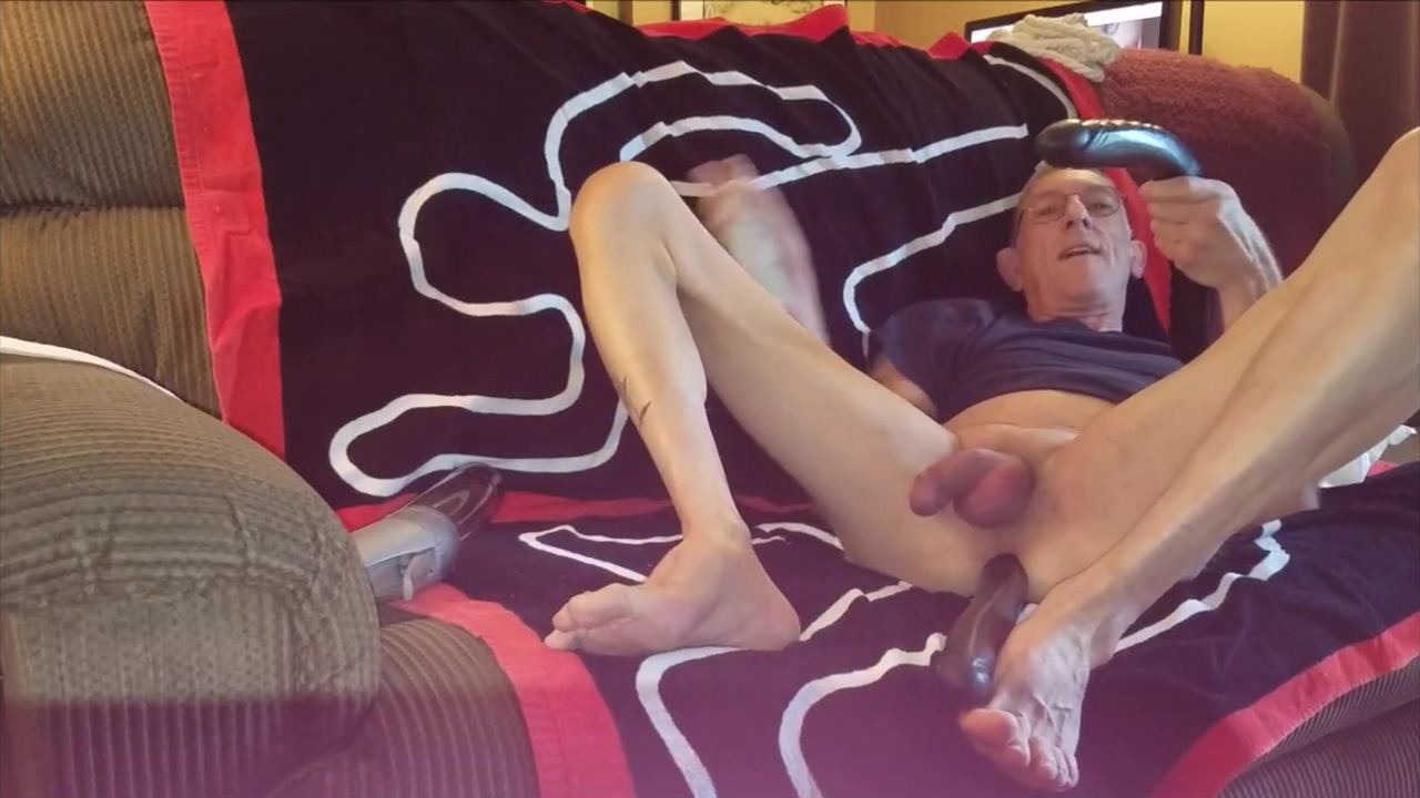 2017-05-29 1 solo with pump and double-headed dildos Massive natural boobs sex