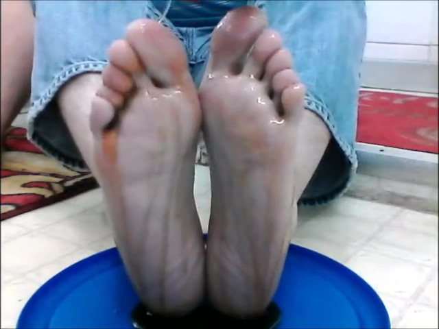 xandro covers his bare feet and toes in pancake syrup babe sex video hikaye