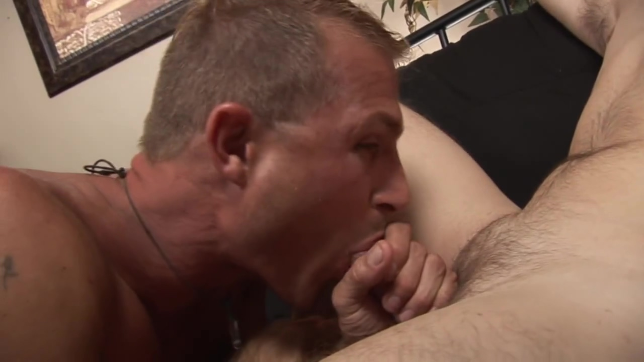 Str8 and married,he calls his agent complaining about me trying to make him do gay porn. Cam big tits big dick
