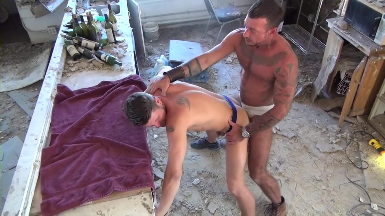 Muscular gays butt fucking - Factory Video straight black guys handjob at massage