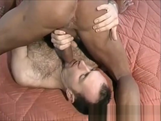 Gay orso peloso scopa in culo amico depiliato - Gay bear ass fucks hairy hairless friend Porn Videos Xxx