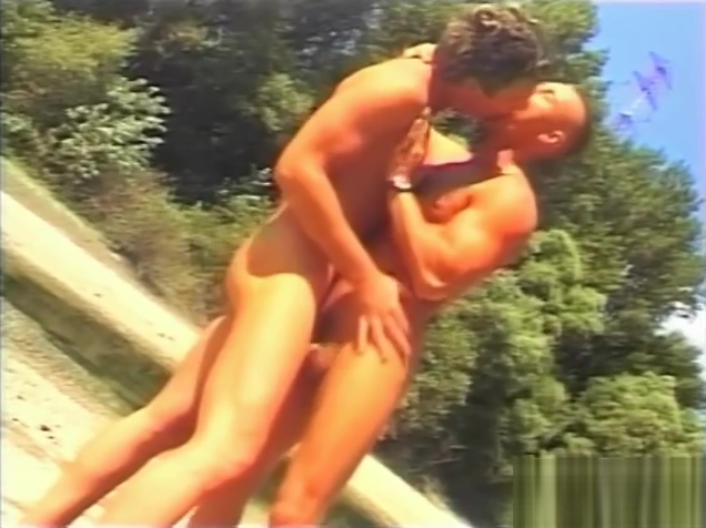 Gay Fun In The Sun - Julia Reaves big tit lesbian pronstars