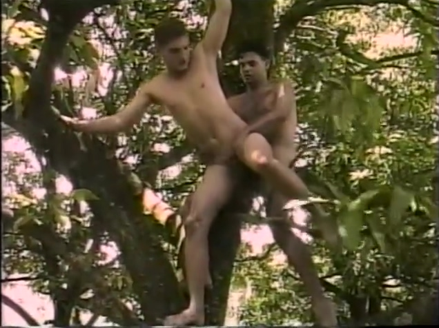Hot and Hanging - Gentlemens Video Chameleon 2 rc4