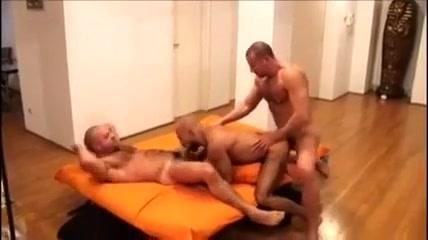 Le bon samaritain Big tits bondage slave