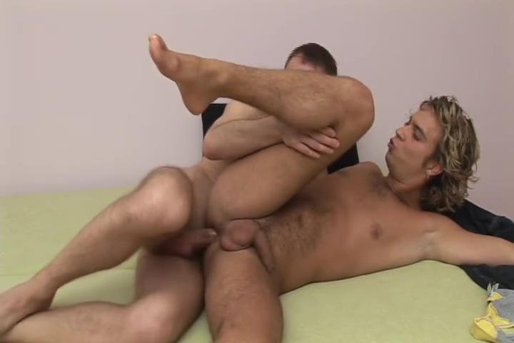 Skinny Twinks Ass-Fucking - Damaged positions for having sex in a car