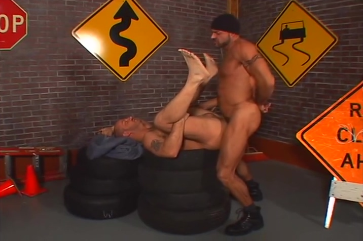Big hunk fucks that smaller dude up - Pacific Sun zac efron nude cock