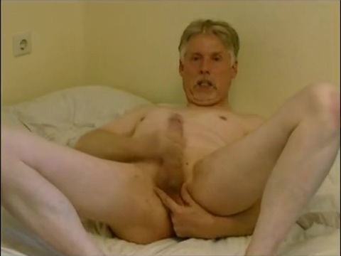 Masturbation with cum-eating Midgets getting anal with big cocks