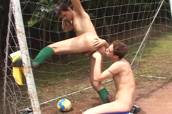Hot Soccer Twinks Take A Break - Mavenhouse Gemini Man Capricorn Woman Sexually
