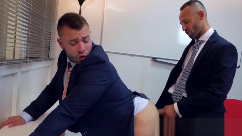 Classy office manager stuffs business partner with big cock Sofia Gucci insegna lo Squirting