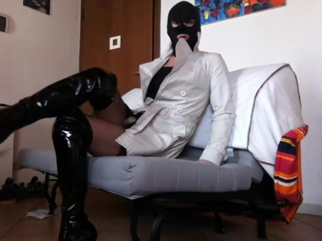lady f sofa in boots and stockings How often do cock roaches multiply
