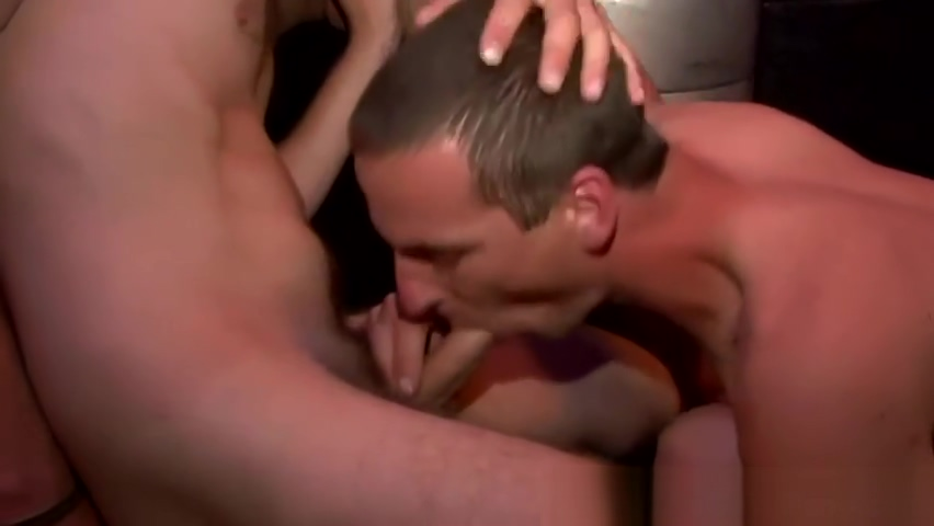 Sexy jocks at party sucking and fucking with each other How to turn a guy on