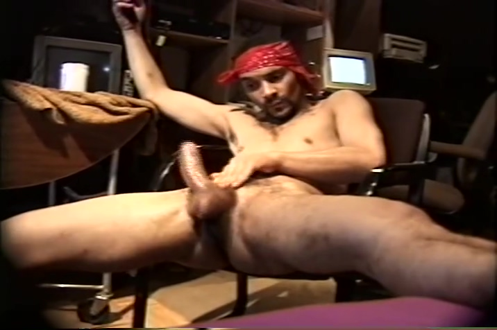 Older Latino jacking it to porn Sperm cells in cowpers fluid