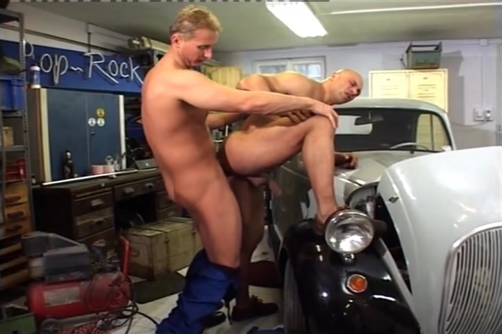 Mechanic Finds A New Tool To Get The Jobe Done free xxx hairy pussy