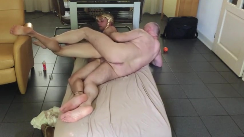 dad and cross dresser Dating older girl what is a good.chrostmas.goft
