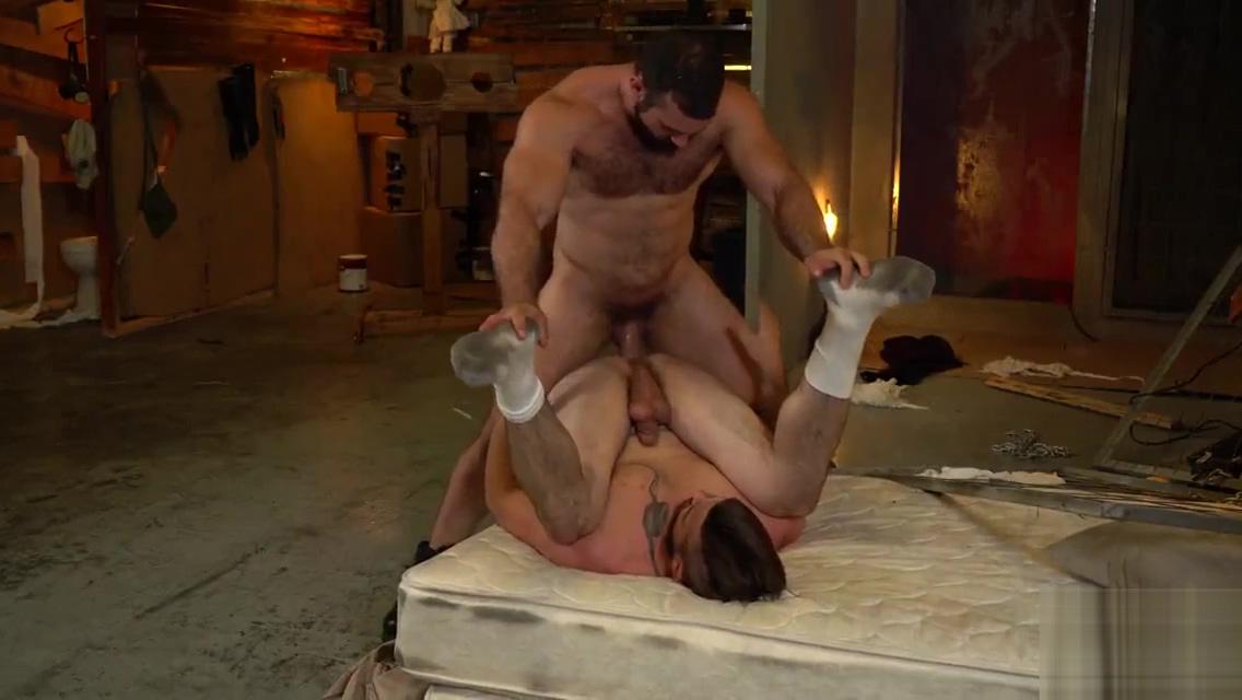 Jaxton Wheeler comendo um passivo gostoso Ffm Suck Porn