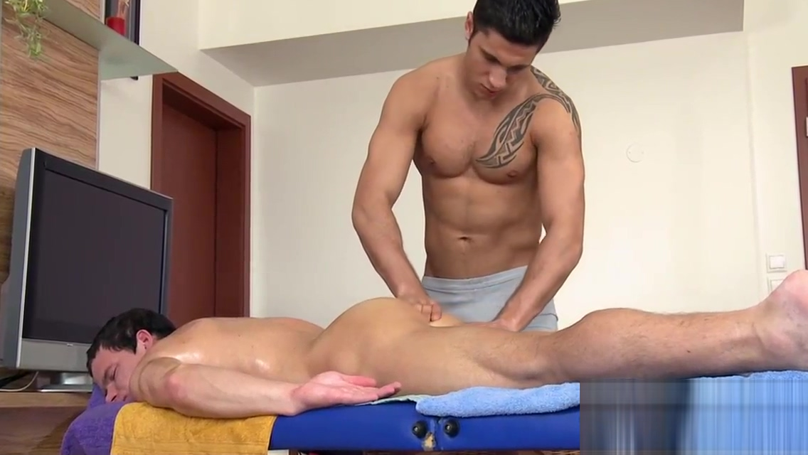 Wild hunk gets a raucous irrumation delight from twink Sex clip wife