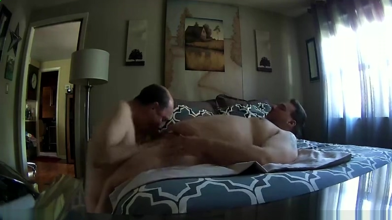 HIDDEN CAM BJ & RIM 4 DADDY Dirty british milf three up