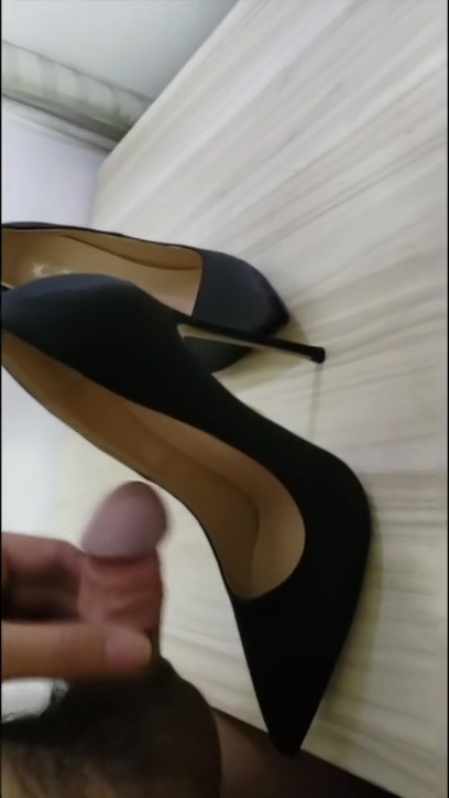 The master is not at home, secretly shot into the semen in high heels Sweaty sock girl porn