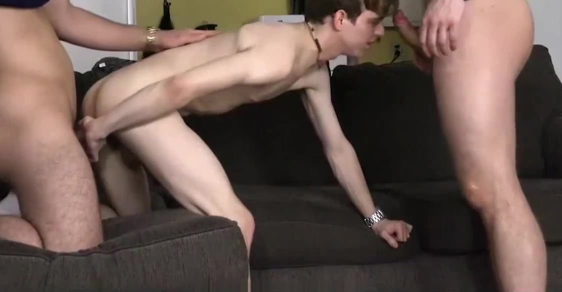Horny Boys Suck Their Older Stepbrother&rsquo_s Big Cock Limp dick blowjob