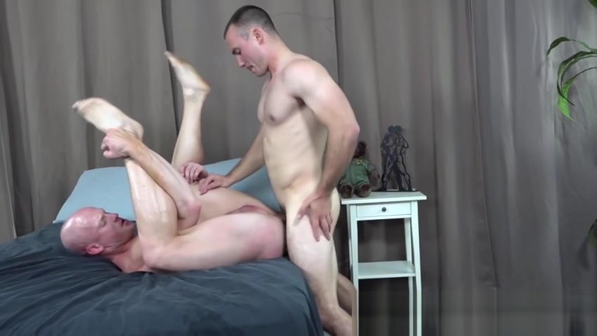 Tattooed bald soldier barebacked by hunky gay comrade Dre Hazel therapist foot worship