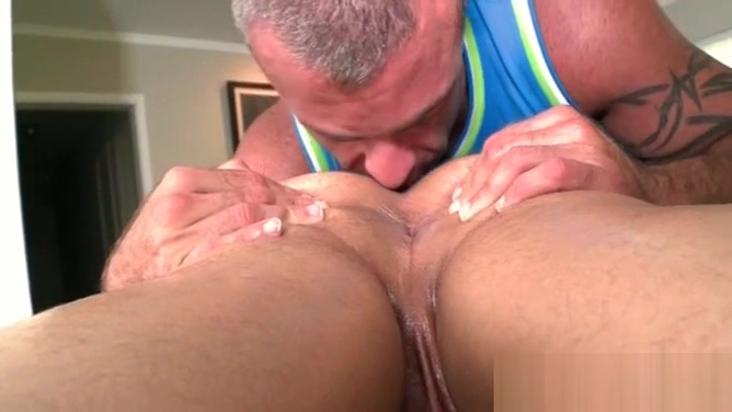 Gay masseur loves giving rim job to his client Adult swim schedual