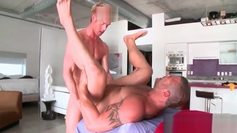 Hardcore anal fucking on the massage table Skinny oma pussy