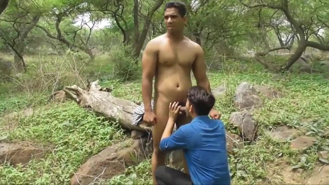 beautiful outdoor Steamy sexy oraljob session with beauties