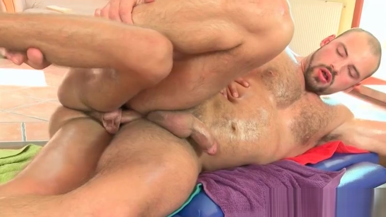 Gay masseur banging straight male butt with lust VR Angel Piaff fucking with pain and pleasure