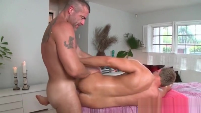 Gay masseur cant keep his dick out of this tight ass Espanolas hd