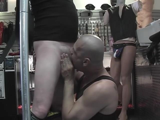 Junior fucking two horny dudes Meeting older women in Klaipeda