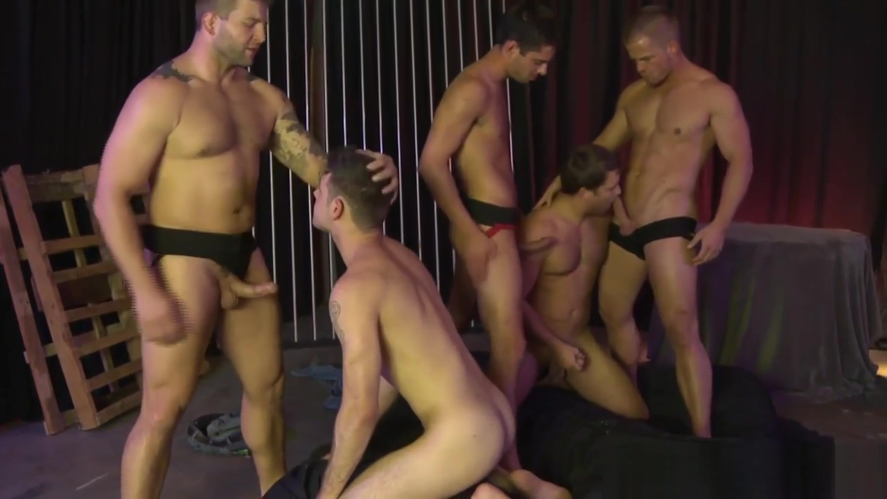 Donny Wright shows oral skills in orgy Sex with huge cock porn