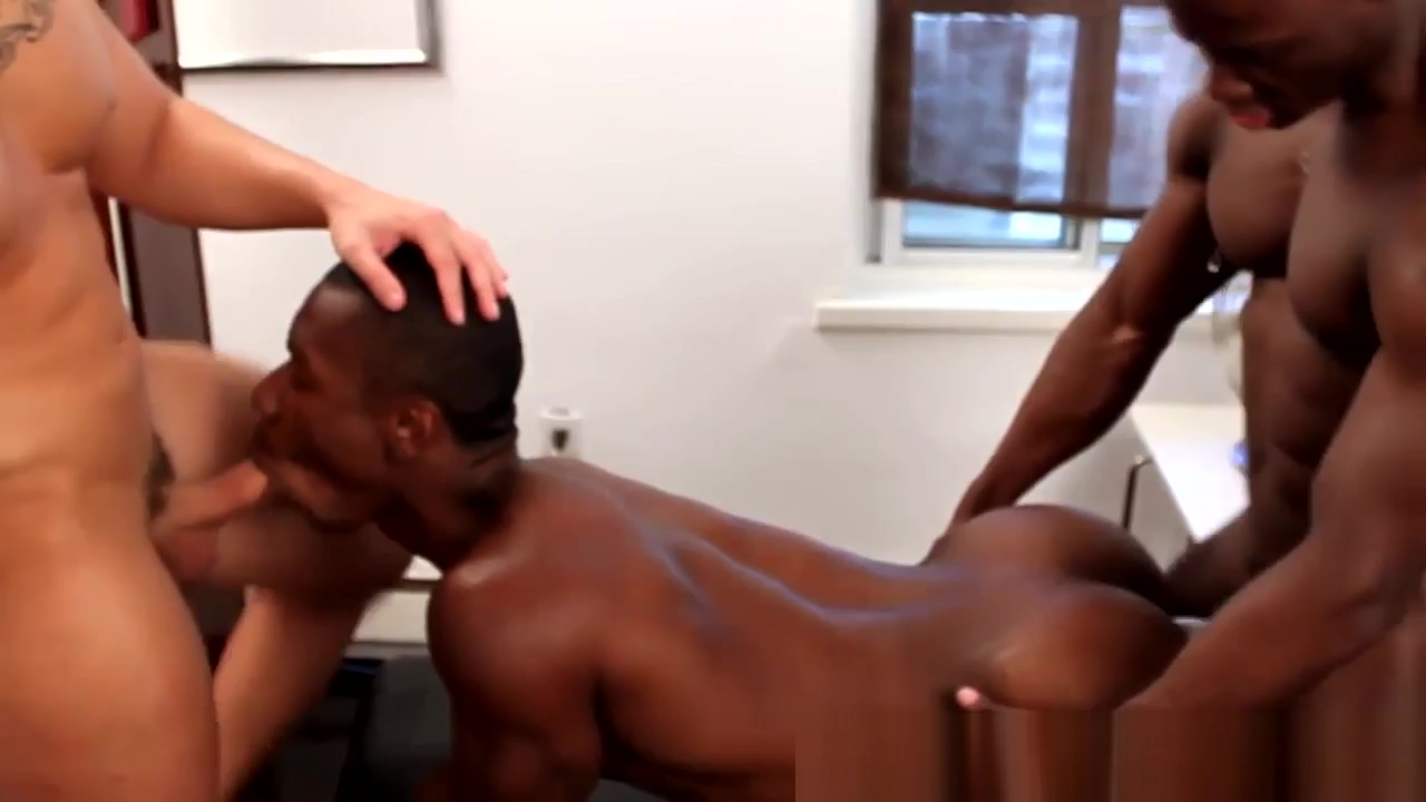 Amateur interracial jocks threeway fun Milf gets her ass fucked