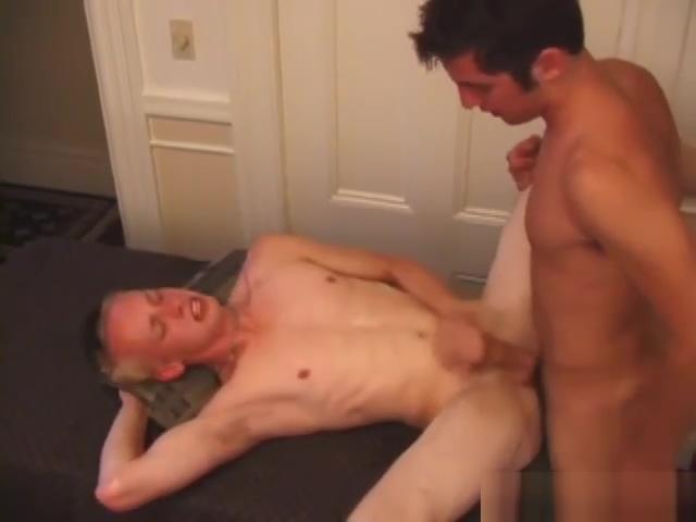 Devon Hart Fucks Roar While Taking A Shower aficionada sal sexo transexual