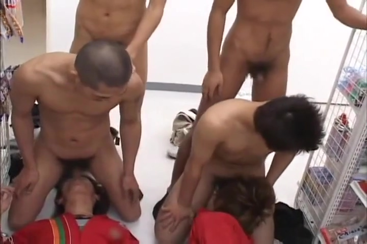 Babylon 55 Japanese Market Group Sex Shemale getting blowjob