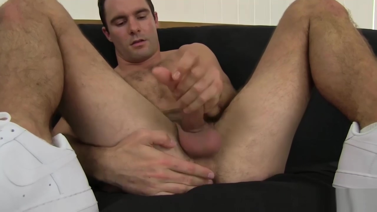 Hairy and Hung Daddy Cameron Kincade Jacks Off Missionary Chubby Pale Toes