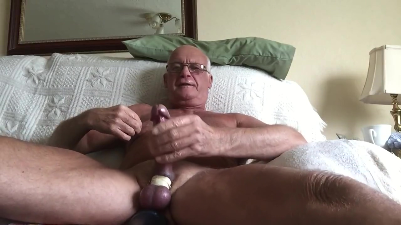 Daddy preplay with massive dildo mixed drinks with squirt soda