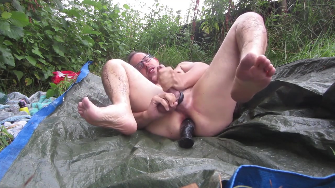 Rainy day anal cumshot, outdoors. Nude sex photo best