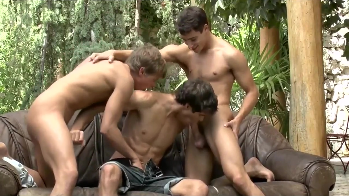 JUST GAY GUYS-2 Nudes A Poppin 2005
