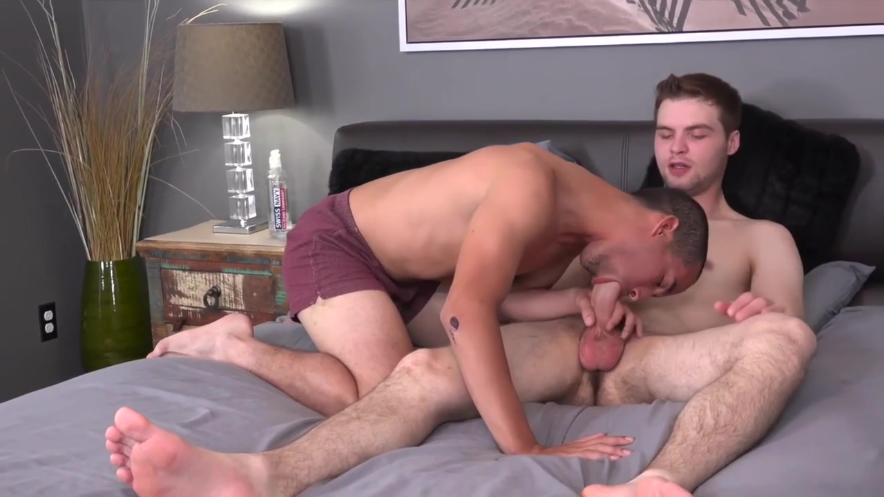 Gay Porn ( New Venyveras ) scene 195 Mature wide hips big ass gilf