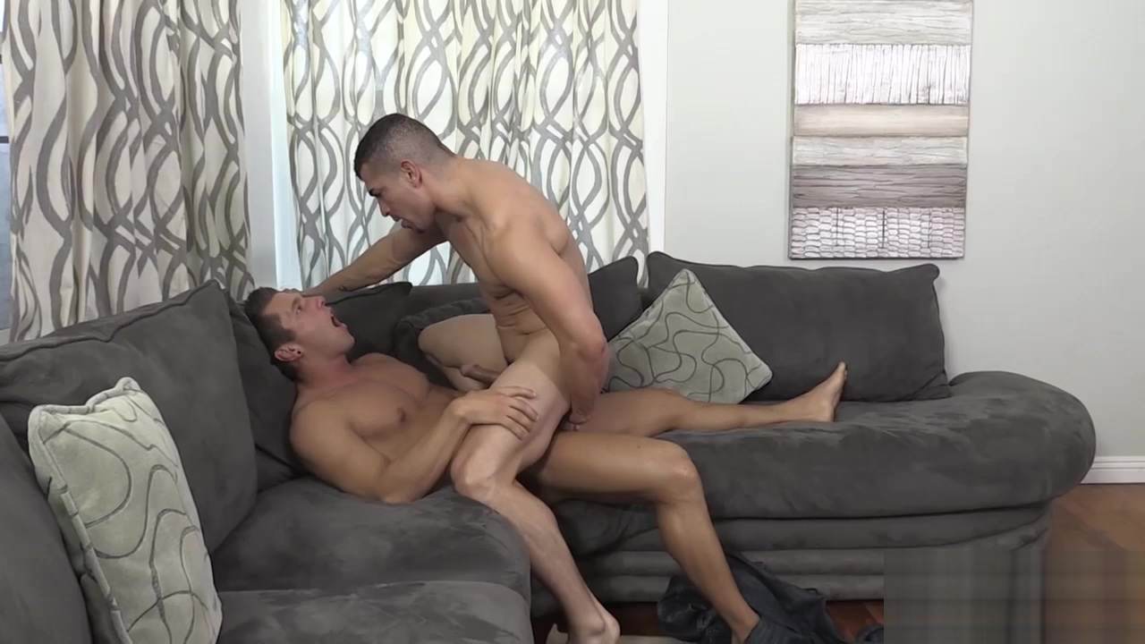 Rod Lets Jeremy Suck His Yearning Dick porn foto mature sex