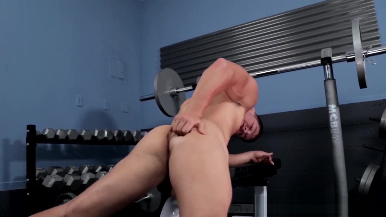 Beefy lockerroom jock tugging his thick cock Posted in channel flurl hot fucked