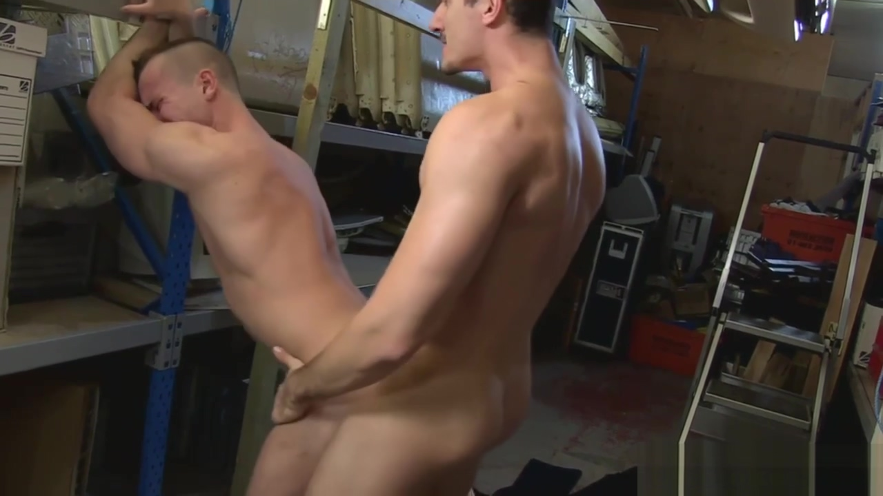 Muscular english shirt lifters and rim scene 2 cancer and virgo sex