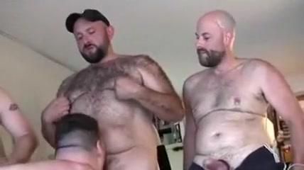 Oso se pajea viendo orgia osuna Nude marride bisexual males