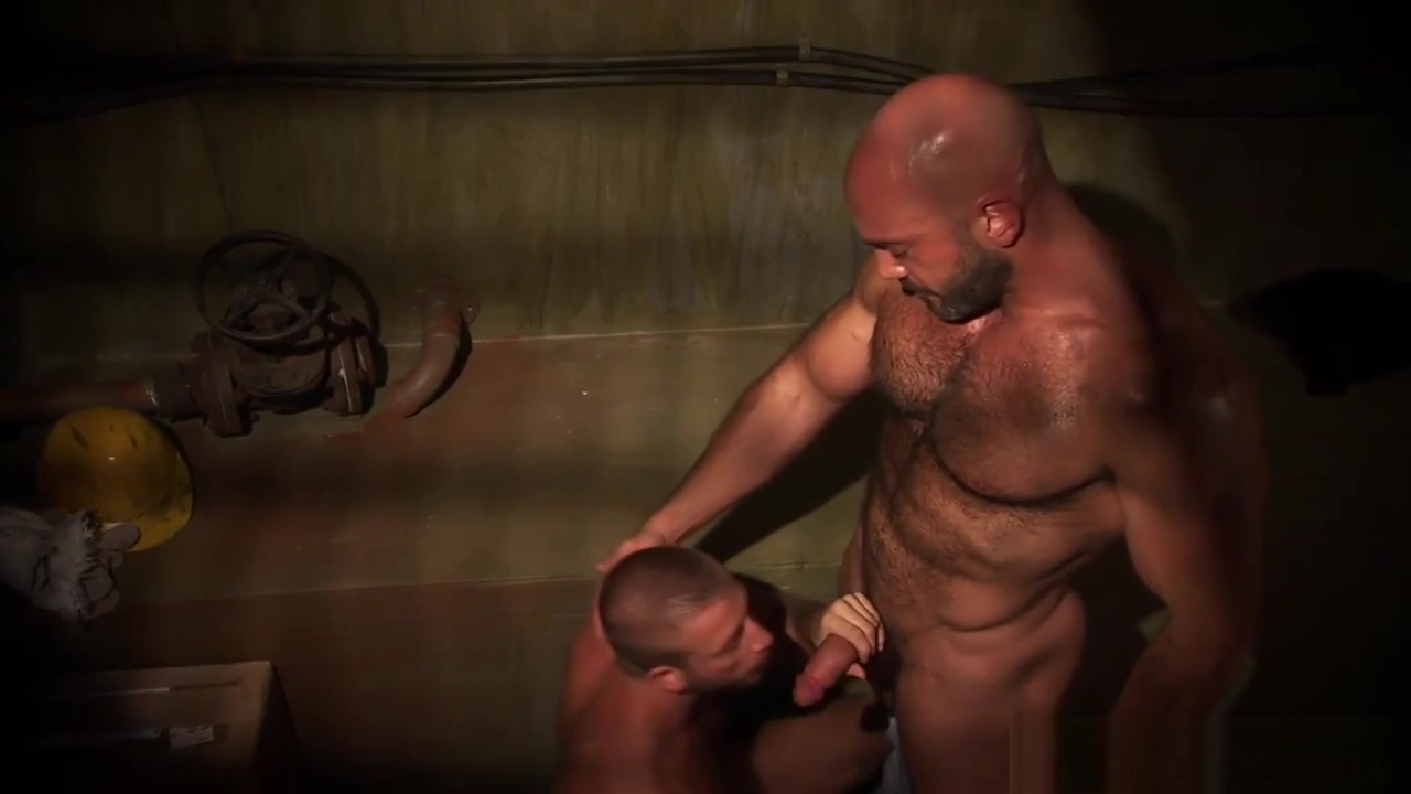 Toned bears fuck and cum Sis In Washing Up